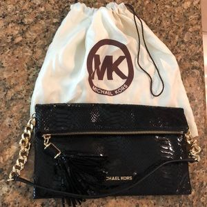 Michael Kors Bags - Michael Kors authentic leather snakeskin purse